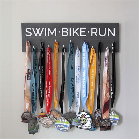 Triathlon Medal Rack by 20 Cool Handmade S Day Gifts Diy For