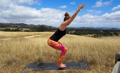 utkatasana o la postura de la silla cuadernos del yogui utkatasana la postura de la silla relajemos com