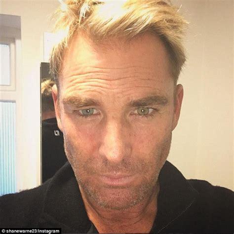 does shane warne wear a hair shane warne 46 reveals his salt and pepper beard as he
