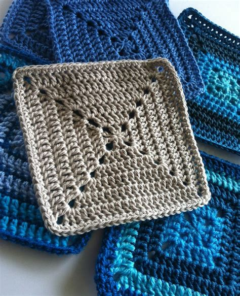 pattern crochet granny solid granny square motif for beginners by shelley husband