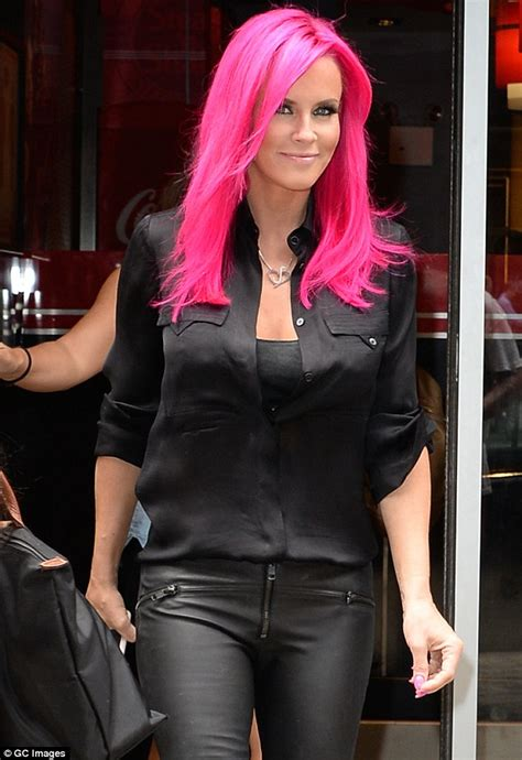 jenny mccarthy not real blonde jenny mccarthy debuts pink hair on instagram before