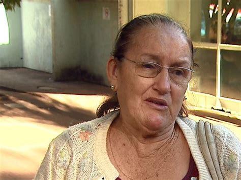 g1 doeu diz idosa que reclama de falta de educa 231 227 o em