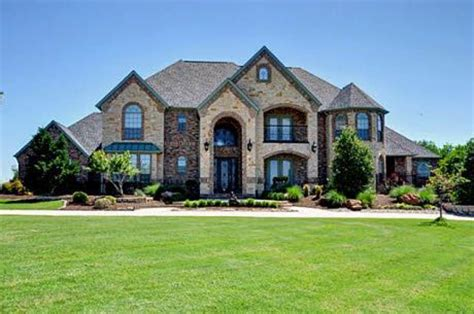 big brick houses best 25 big houses ideas on pinterest huge houses big homes and dream houses