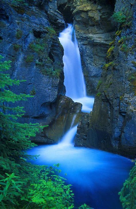 famous waterfalls in the world top 10 most incredible waterfalls in the world top inspired