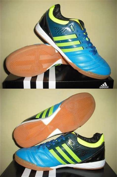 Kaos R T Nike chelsea sport uthe sepatu futsal nike mercurial adidas