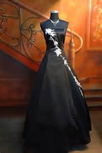 unique gothic black wedding dresswedwebtalks wedwebtalks