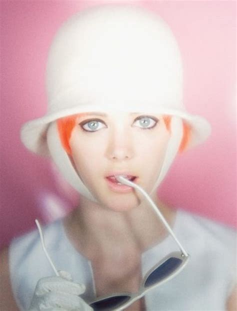 Minis 20153 54 Neon Bert 17 best images about fashion swinging sixties on bourdin irving penn and jean