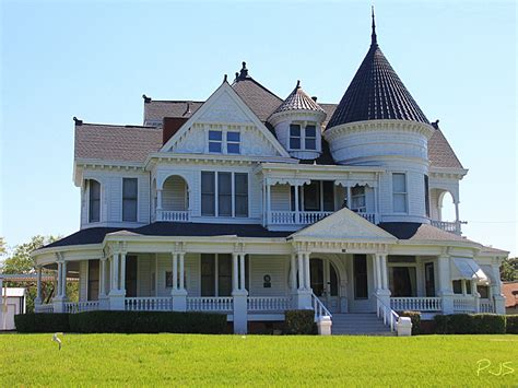 what style is my old house queen anne victorian houses old style victorian house