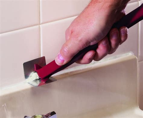 how do you remove caulk from a bathtub how to remove old caulk from your bathtub or sink