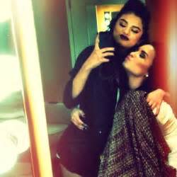 semi is back adorable delena photo shows demi lovato and