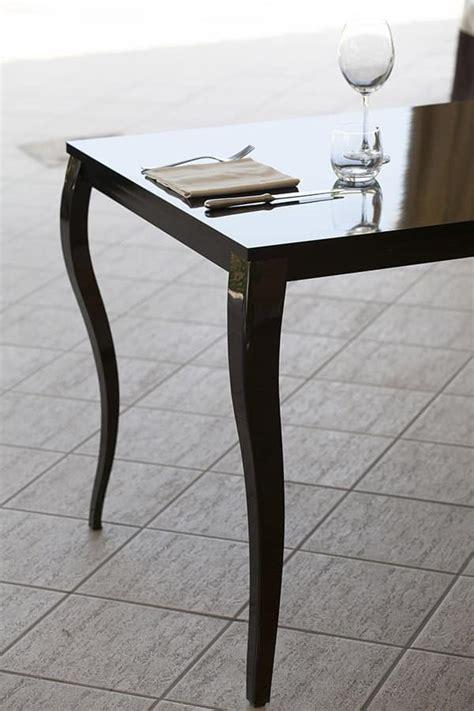 tavoli stile barocco tavolo in metallo con piano in laminato stile barocco
