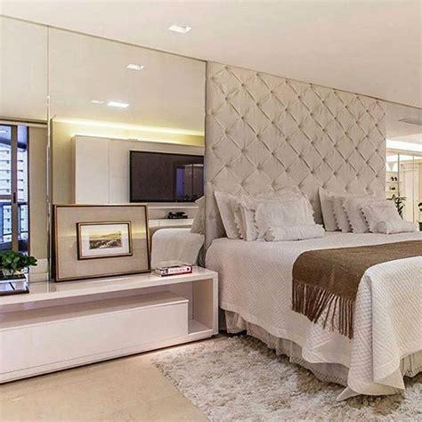 pin dise o de interiores quartos de casal decorados e planejados on quarto do casal cl 225 ssico e aconchegante tend 234 ncia