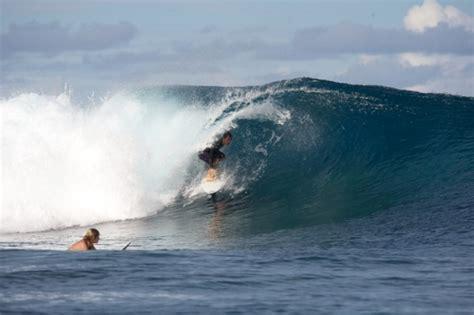 boat accident shelly beach strike tahiti surf mission magicseaweed