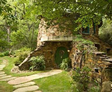 hobbit style homes best 25 hobbit houses ideas on pinterest hobbit home