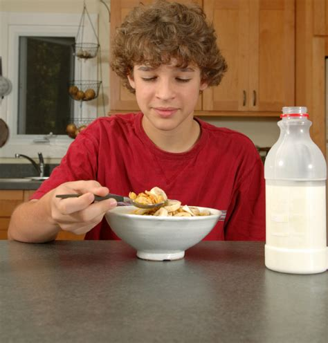 is eating breakfast really that how do you get your teen to eat breakfast haltonparents