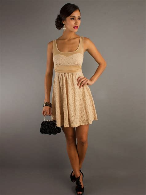 sencillos  elegantes vestidos cortos  senoritas