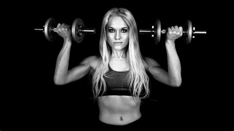 wallpaper girl fitness sports weightlifting fitness model monochrome wallpaper