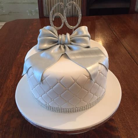 1000  ideas about 60th Anniversary Cakes on Pinterest   50