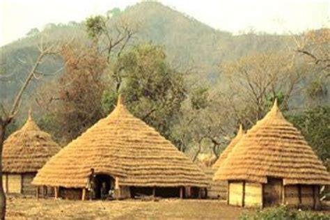 tradisionele xhosa hutte huise vir afrika