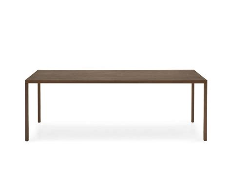 heron dining table by calligaris pomphome