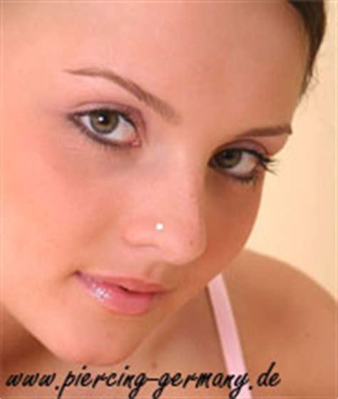 wann nasenpiercing wechseln piercing im beruf ein problem mediengestalter