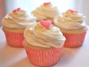 chef mommy small batch vanilla cupcakes makes 4 cupcakes