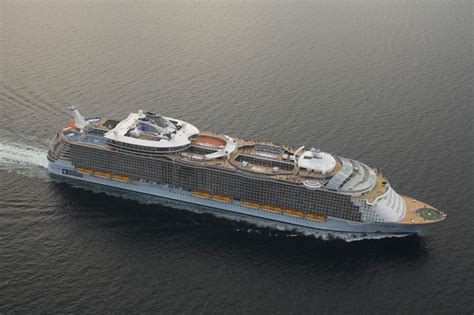 the world s largest cruise ship allure of the seas the world s largest cruise ship allure of the seas scaniaz