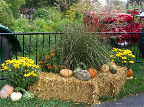 fall haystack decorations creative outdoor decorating for the fall and autumn fall