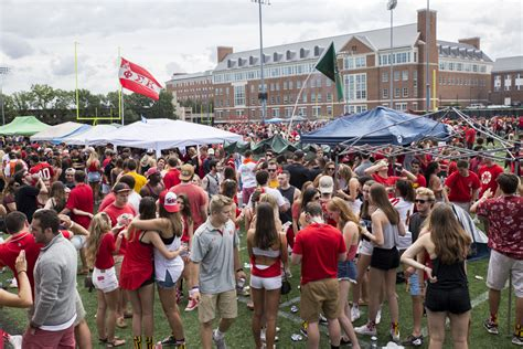Mba Orientation Athletic Maryland by Open Up All Student Tailgating The Diamondback