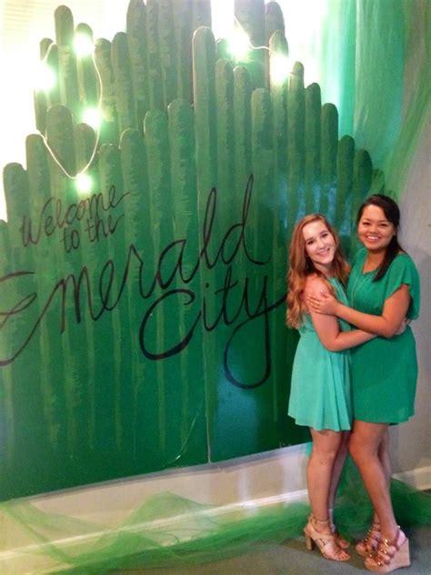 best 25 emerald city ideas on pinterest wizard of oz
