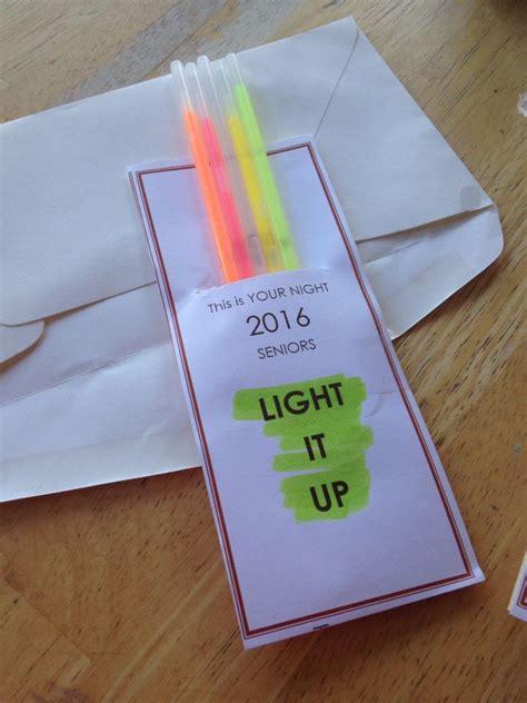gift card ideas for the elderly best 25 senior gifts ideas on senior gifts grad gifts and senior