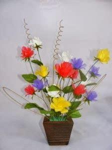 membuat kerajinan hiasan dari barang bekas membuat karya seni unik dari barang bekas bunga hiasan