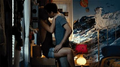 how he kisses you ~ glader preferences imagines for shanks