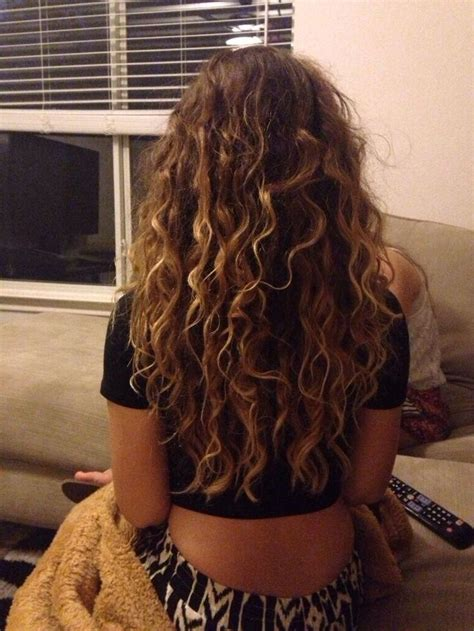 hairstyles for curly hair highlights the 25 best curly highlights ideas on pinterest curly