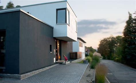 terrasse am haus anbauen neubau eines einfamilienhauses mit carport archi viva