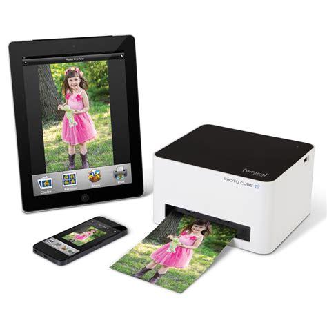 printer for iphone the wireless iphone photo printer hammacher schlemmer