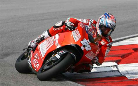 Nicky Hayden 02 nicky hayden to be fit for second motogp test biser3a