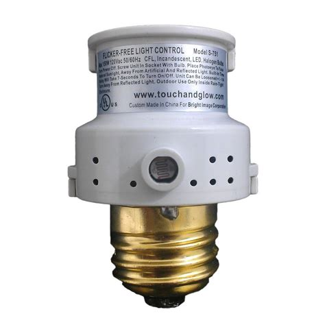 dusk to dawn light control lutron skylark 1 5 amp single pole 3 speed combination fan