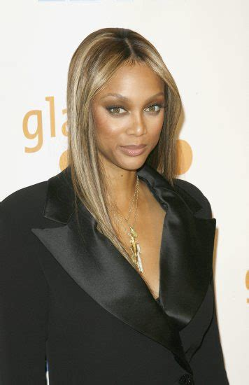 tyra banks with fringe bangs short hairstyle 2013 images and pictures tyra banks hairstyles short
