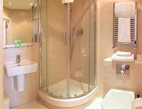 Bathtubs And Showers For Small Spaces by Shower And Tub Enclosures For Small Spaces