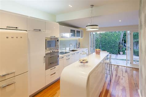 art deco renovation contemporary kitchen other metro レトロモダンインテリア 今の家具で対応できる 色の選び方だけで作れる懐かしい空間