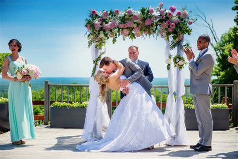 Crystal Mountain is the Top Wedding Venue in Northern Michigan