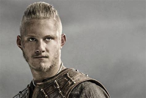 bjorn lothbrok viking season 2 bjorn lothbrok pinterest bjorn lothbrok hairstyle how awesome new vikings