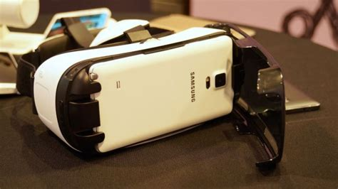 Gear Vr Samsung S7 the samsung galaxy s7 and 99 gear vr device could be a match made in heaven alphr