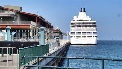 pier port melbourne silver whisper station pier port melbourne victoria