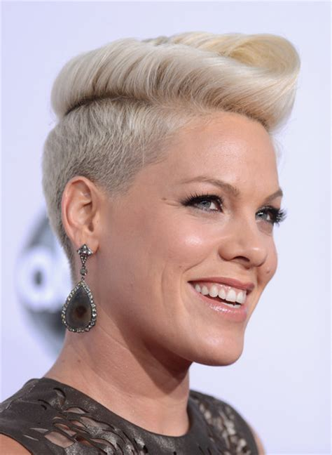 singer pink hairstyles photo gallery pink pictures the 40th american music awards arrivals