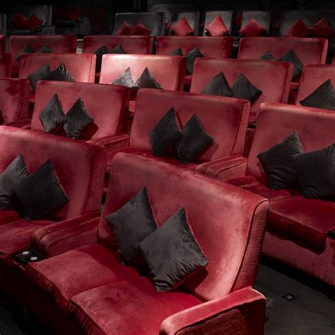 Walton Cinema Sofa by 73 Relax At The Everyman Cinema 1000 Things To Do
