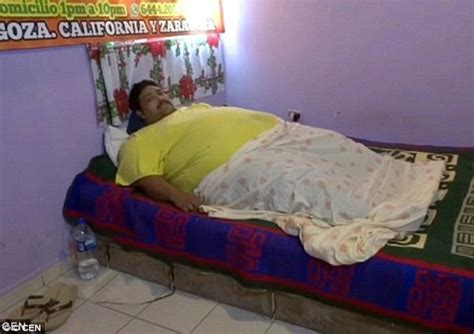 bed bound world s fattest man andres moreno suffered christmas day