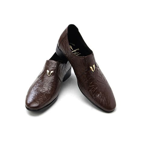 pattern on dress shoes mens v stud geometric pattern wrinkles cow leather
