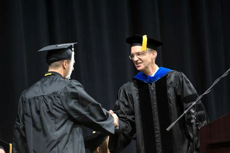 Of Iowa Mba Pm Graduation by Recapping Fall 2016 Commencement Iowa Now